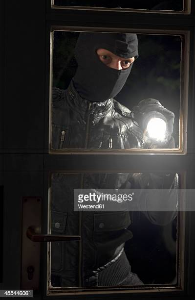 Germany, North Rhine Westphalia, Burglary breaking into family home at night
