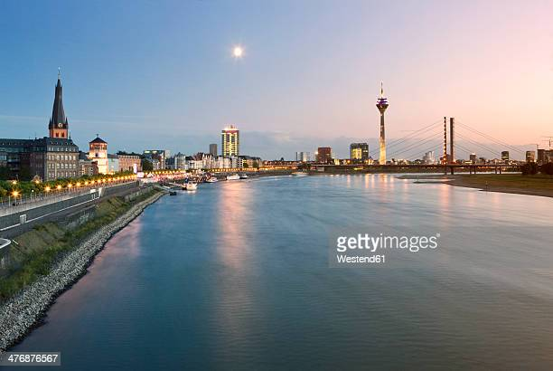Germany, North Rhine-Westphalia, Dusseldorf, River Rhine at dusk