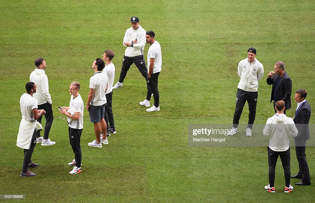 Germany players inspect the pitch prior to the UEFA EURO 2016 round of 16 match between Germany and Slovakia at Stade Pierre-Mauroy on June 26, 2016 in Lille, France.