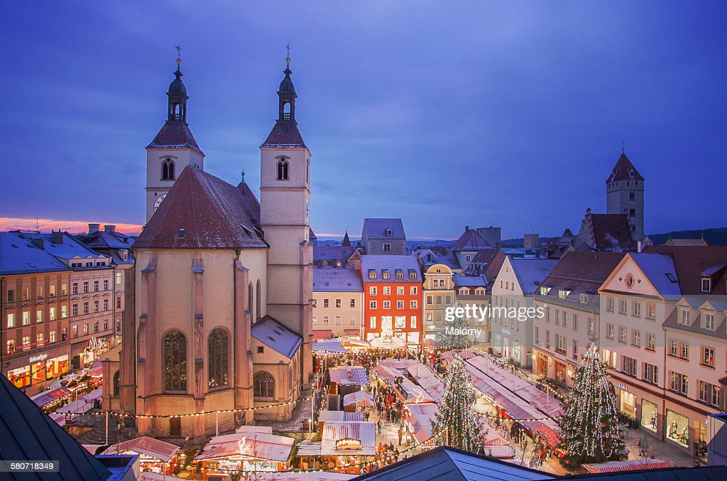 Germany, Regensburg, view of Christmas market