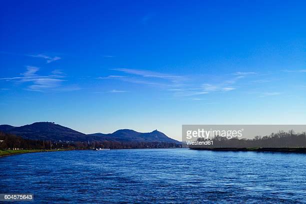 Germany, Rhineland-Palatinate, Siebengebirge, River Rhine with Drachenfels castle