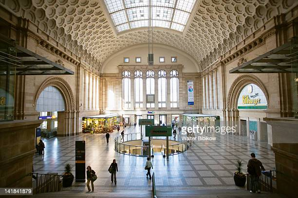Germany, Sachsen, Leipzig, Main Train Station, Interior shopping mall