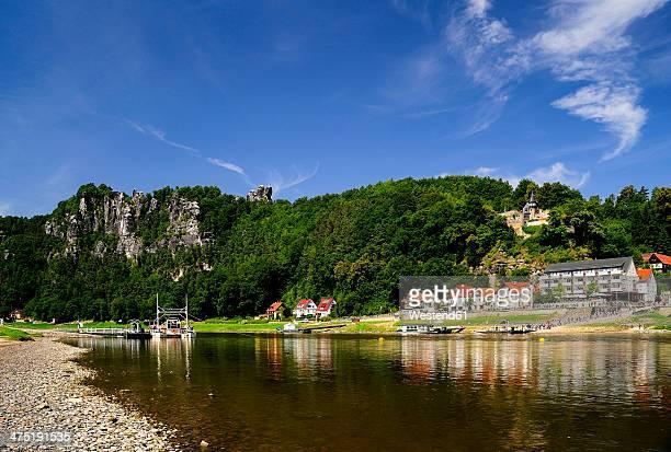 Germany, Saxony, Rathen, Reaction ferry and Castle Altrathen at River Elbe