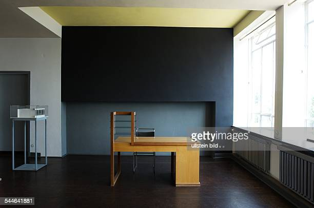 bauhaus dessau photos et images de collection getty images. Black Bedroom Furniture Sets. Home Design Ideas