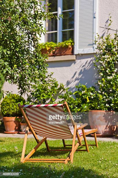 Germany, Stuttgart, Sun lounger in garden