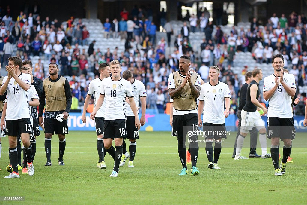 Germany team celebrate victory during the European Championship match Round of 16 between Germany and Slovakia at Stade Pierre-Mauroy on June 26, 2016 in Lille, France.