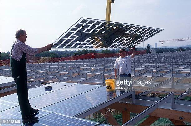 the roof of the continuation academy Mont Cenis in Herne with solar cells
