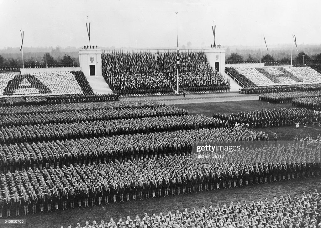 """short history of pre hitler germany Hitler was the leader of the right-wing national socialist german workers party (called """"the nazi party"""" for short) it was, by 1933, one of the strongest parties in germany, even though — reflecting the country's multiparty system — the nazis had won only a plurality of 33 percent of the votes in the 1932 elections to the german ."""
