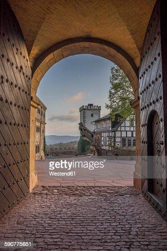 Germany, Thuringia, Eisenach, Wartburg, Gate in the evening
