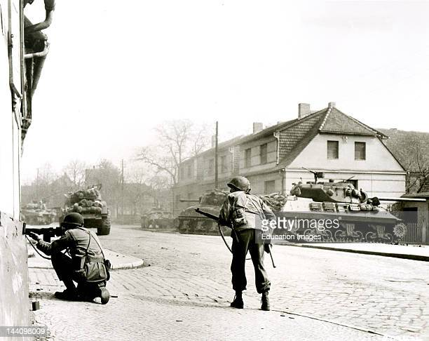 Germany World War Ii American Soldiers In Combat April 1945