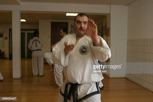 DEU Germany Yildiray Kara 34 years police inspector with turkish origin Yildiray Kara is practicing TaekwonDo supervised by MA Master Byong Ho Won