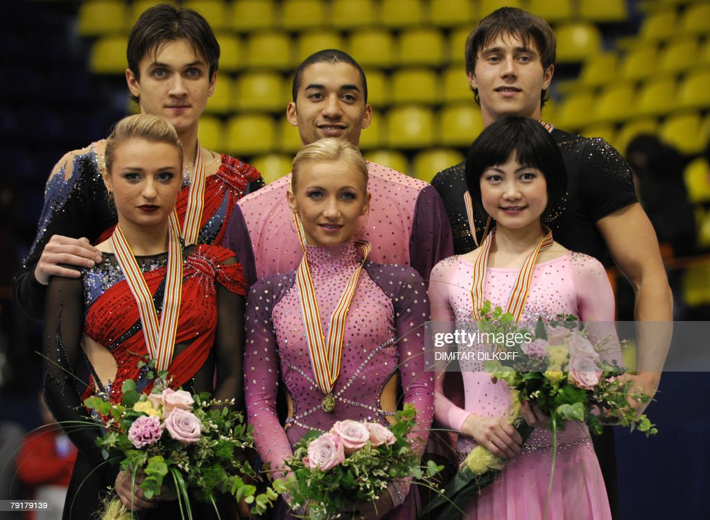 Germany's Aliona Savchenko and Robin Szolkowy (C), Russia's Maria Mukhortova and Maxim Trankov (L), and Russia's Yuko Kawaguchi and Alexander Smirnov (R) pose with their medals after free skating program at the Dom Sportova Arena in Zagreb, 23 January 2008, during the European Figure Skating Championships 2008. Germany's Mari Vartmann and Florian Just won ahead of Russia's Maria Mukhortova and Maxim Trankov, and Russia's Yuko Kawaguchi and Alexander Smirnov.