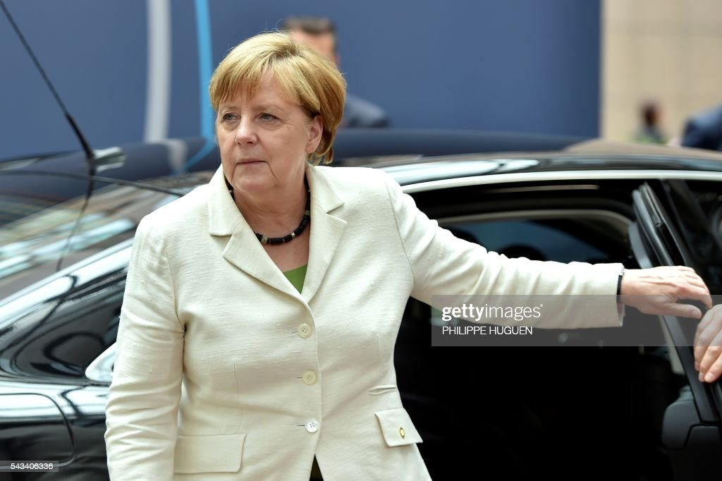 Germany's Chancellor Angela Merkel arrives before an EU summit meeting on June 28, 2016 at the European Union headquarters in Brussels. / AFP / PHILIPPE
