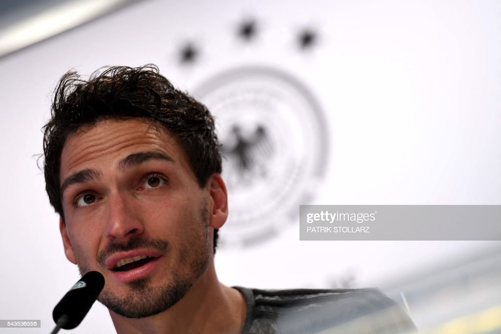 Germany's defender Mats Hummels gives a press conference at the team's training ground in Evian-les-Bains on June 29, 2016 during the Euro 2016 football tournament. / AFP / PATRIK