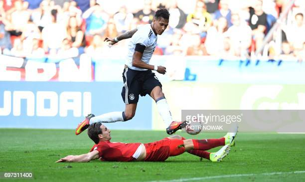 Germany's forward Davie Selke and Czech Republic's defender Stefan Simic vie for the ball during the UEFA U21 European Championship Group C football...