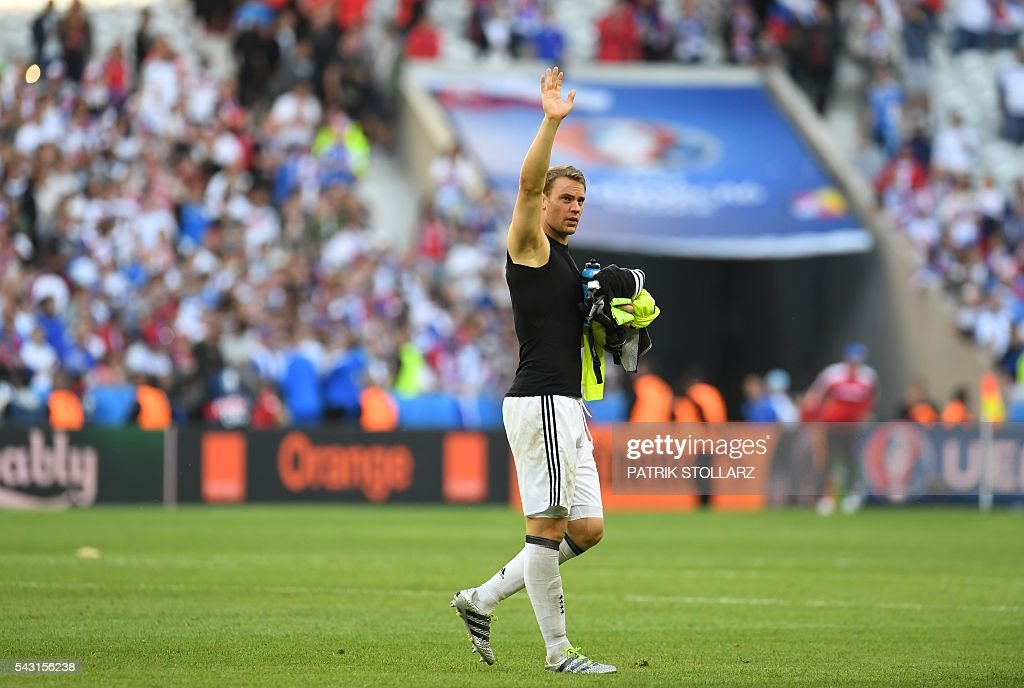 Germany's goalkeeper Manuel Neuer celebrates at the end of the Euro 2016 round of 16 football match between Germany and Slovakia at the Pierre-Mauroy stadium in Villeneuve-d'Ascq near Lille on June 26, 2016. / AFP / PATRIK