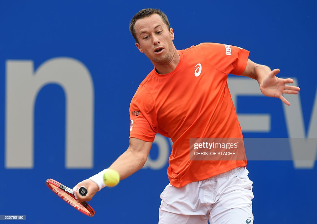 Germany's Philipp Kohlschreiber returns the ball during his final match against Austrian Dominic Thiem at the ATP tennis BMW Open in Munich, southern Germany, on May 1, 2016. / AFP / CHRISTOF