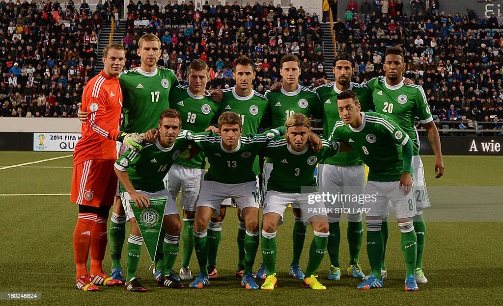 Germany's players pose for the team photo prior to the FIFA World Cup 2014 qualifying football match Faroe Island vs Germany in Torshavn on September 10, 2013. AFP PHOTO / PATRIK STOLLARZ