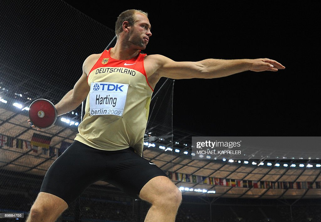 Germany's Robert Harting competes during the men's discus throw final of the 2009 IAAF Athletics World Championships on August 19, 2009 in Berlin.