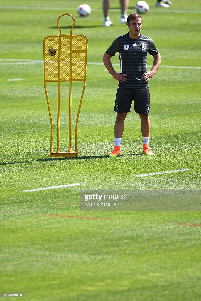 Germany's striker Mario Goetze is pictured during a training session at the team's training grounds in Evian-les-Bains on June 29, 2016 during the Euro 2016 football tournament. / AFP / PATRIK