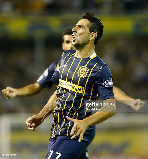 Germán Gustavo Herrera of Rosario Central celebrates after scoring the second goal of his team during a match between Rosario Central and River Plate...