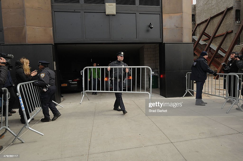 A gerneral overview at The scene outside the Chelsea apartment building on March 17, 2014 in New York City, where fashion designer L'Wren Scott, 47, was found dead from an apparent suicide.