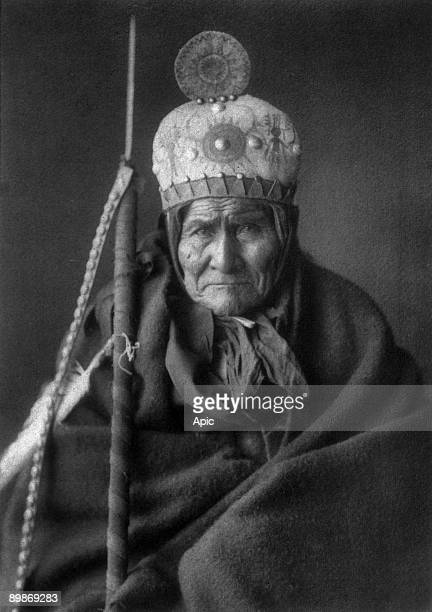 Geronimo Apache leader photo by Edward S Curtis