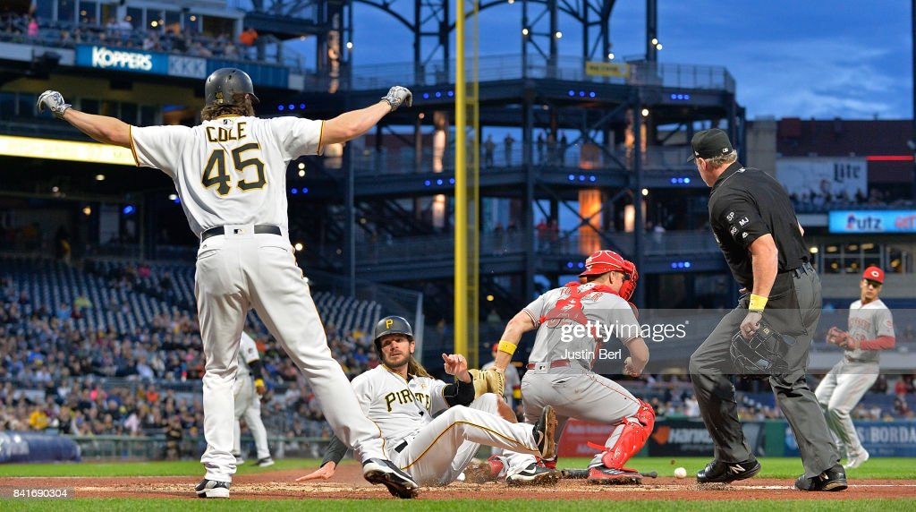 Cincinnati Reds v Pittsburgh Pirates
