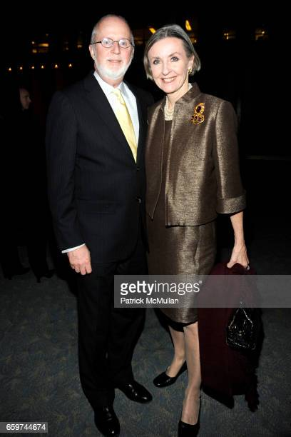 Gerry Byrne and Liz Byrne attend PARADE MAGAZINE and SI Newhouse Jr honor Walter Anderson at The 4 Seasons Grill Room on March 31 2009 in New York...