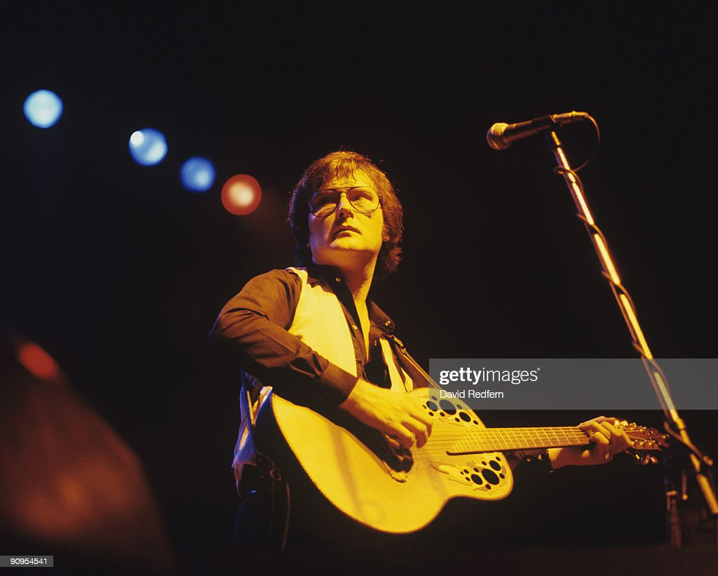 Gerry Rafferty performs on stage in 1980.