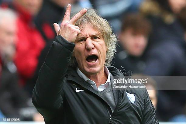Gertjan Verbeek head coach of Bochum reacts during the 2 Bundesliga match between TSV 1860 Muenchen and VfL Bochum at Allianz Arena on February 21...