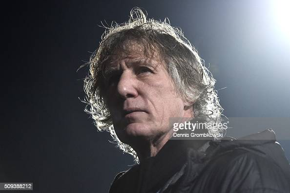 Gertjan Verbeek Head Coach of VfL Bochum looks on prior to the DFB Cup quarter final match between VfL Bochum and Bayern Muenchen at Rewirpower...