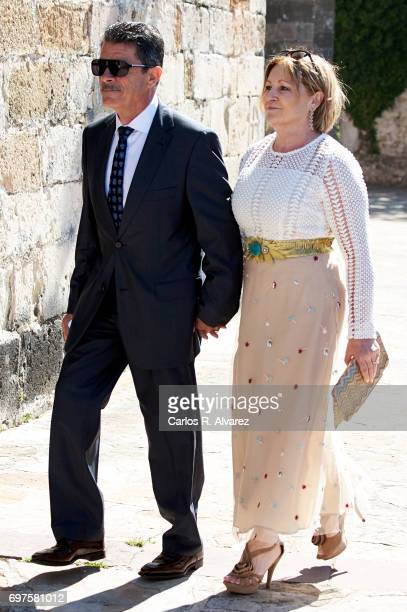 Gervasio Bustamante and Ada Hoyos attend Daniella Bustamante First Communion at the Nuestra Senora de los Angeles Church on June 17 2017 in San...