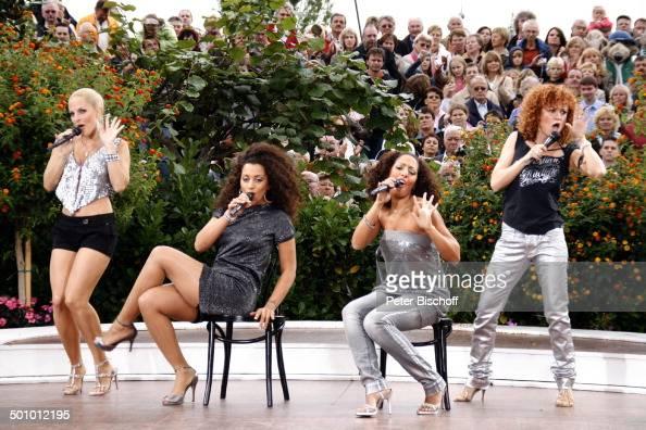 Gesangsgruppe 'No Angels' Sandy Mölling Nadja Benaissa Jessica Wahls Lucy Diakovska ZDFShow 'Fernsehgarten' Mainz RheinlandPfalz Deutschland Europa...