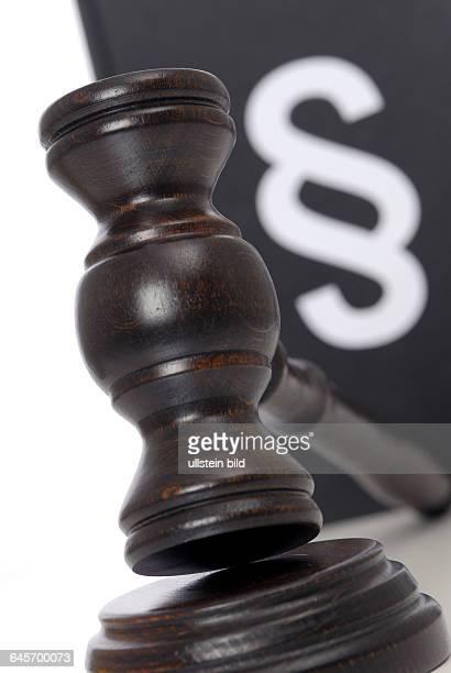 Gesetz Gesetze Gesetzgebung Gerechtigkeit Justiz Urteil Urteile Justizwesen Richter Gericht Gerichte Paragraph Paragraphen Richterhammer Gesetzesbuch...