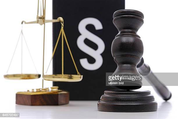 Gesetz Gesetze Gesetzgebung Gerechtigkeit Justiz Urteil Urteile Justizwesen Richter Gericht Gerichte Paragraph Paragraphen Richterhammer Waage...