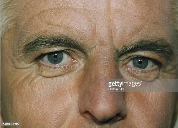 Gesichtsausschnitt von Erich Ribbeck Nationaltrainer des Deutschen Fußballbundes DFB Aufgenommen April 1999
