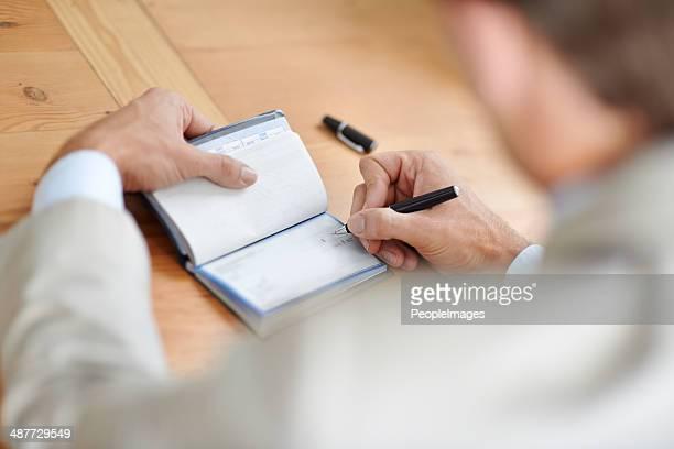Erste seine Scheckbuch organzied