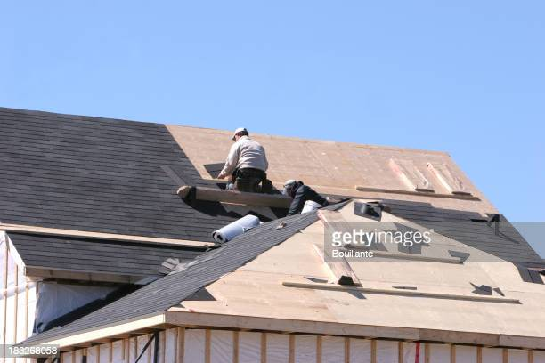 Das Dach zu geschehen