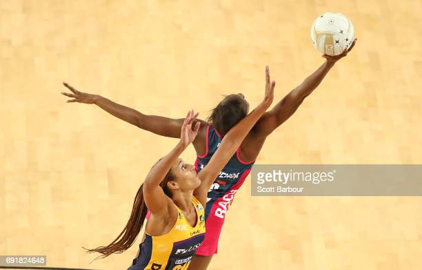 Geva Mentor of the Lightning and Mwayi Kumwenda of the Vixens compete for the ball during the Super Netball Major Semi Final match between the Vixens...