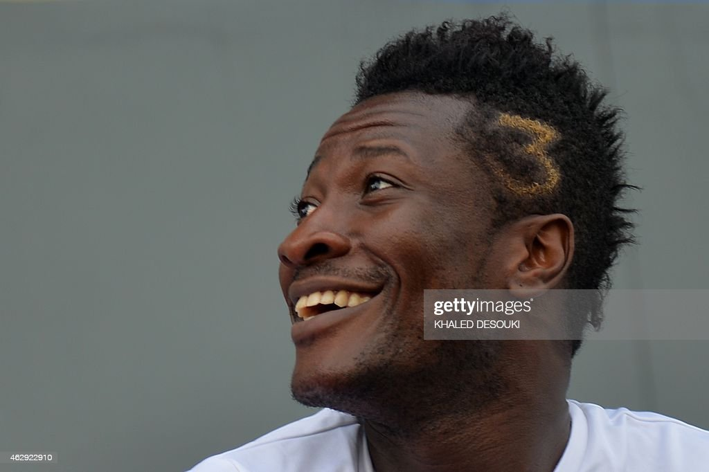 Ghanas <a gi-track='captionPersonalityLinkClicked' href=/galleries/search?phrase=Asamoah+Gyan&family=editorial&specificpeople=535782 ng-click='$event.stopPropagation()'>Asamoah Gyan</a> takes part in a training session on the eve of the African Cup of Nations final football match between Ivory Coast and Ghana, on February 7, 2015 at Bikuy stadium in Bata. AFP PHOTO / KHALED DESOUKI