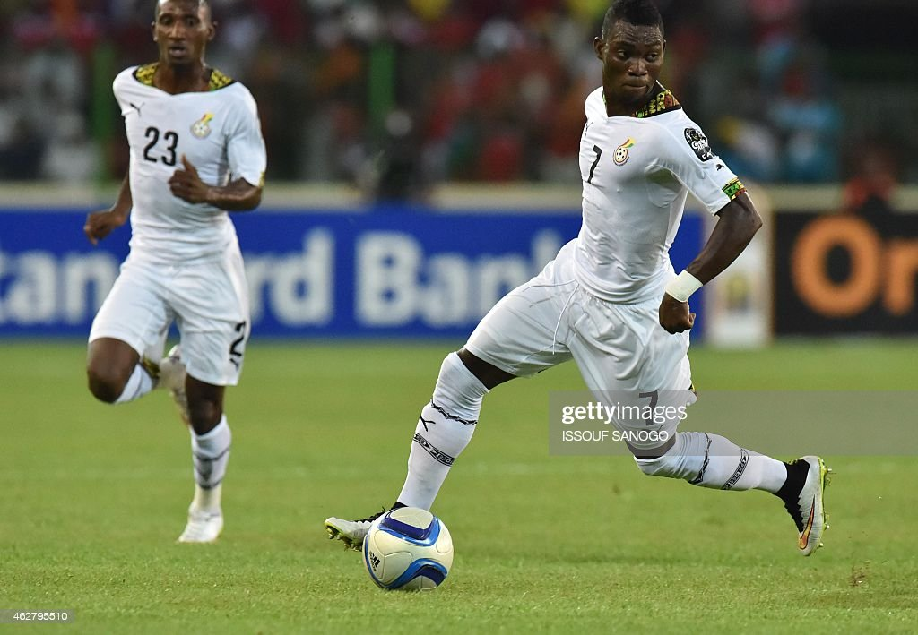 Ghana's midfielder <a gi-track='captionPersonalityLinkClicked' href=/galleries/search?phrase=Christian+Atsu&family=editorial&specificpeople=8284773 ng-click='$event.stopPropagation()'>Christian Atsu</a> (R) controls the ball during the 2015 African Cup of Nations semi-final football match between Equatorial Guinea and Ghana in Malabo, on February 5, 2015.