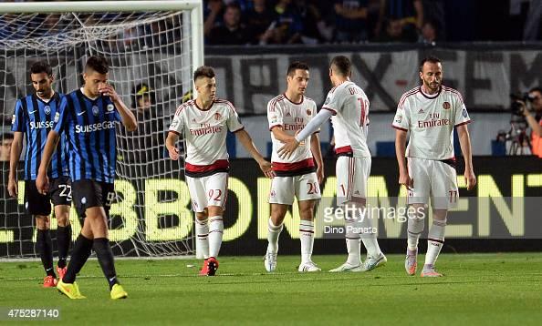 Giacomo Bonaventura of AC Milan celebrates after scoring his team's second goal during the Serie A match between Atalanta BC and AC Milan at Stadio...
