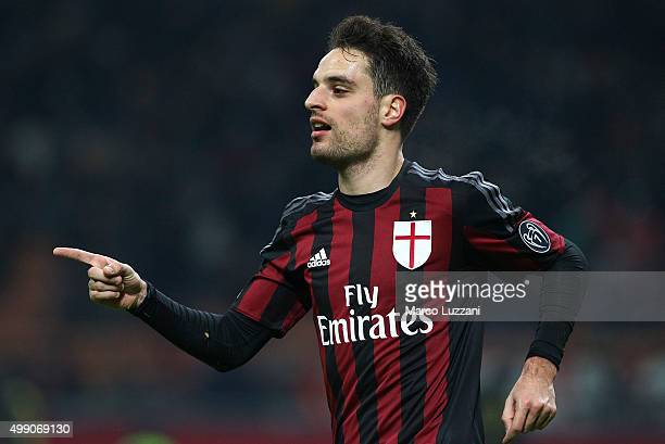 Giacomo Bonaventura of AC Milan celebrates after scoring the opening goal during the Serie A match between AC Milan and UC Sampdoria at Stadio...