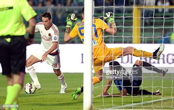 Giacomo Bonaventura of AC Milan scores his team's third goal during the Serie A match between Atalanta BC and AC Milan at Stadio Atleti Azzurri...