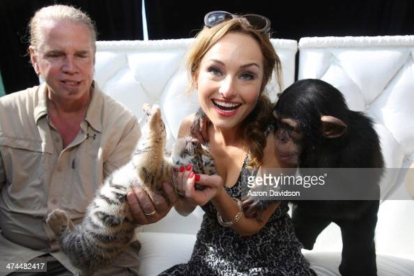 Giada De Laurentiis meets animals at Fun and Fit as a Family sponsored by Carnival featuring Goya Kidz Kitchen hosted by Robert Irvine during the...