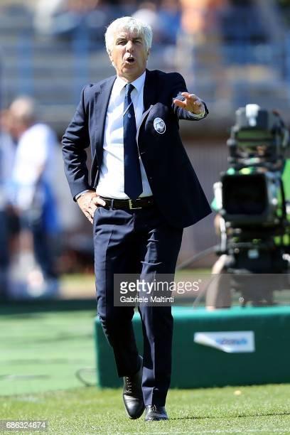 Giampiero Gasperini manager of Atalanta BC gestures during the Serie A match between Empoli FC and Atalanta BC at Stadio Carlo Castellani on May 21...
