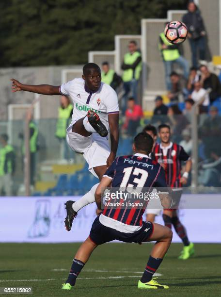 Gian Marco Ferrari of Crotone competes for the ball with Khouma Babacar of Fiorentina during the Serie A match between FC Crotone and ACF Fiorentina...