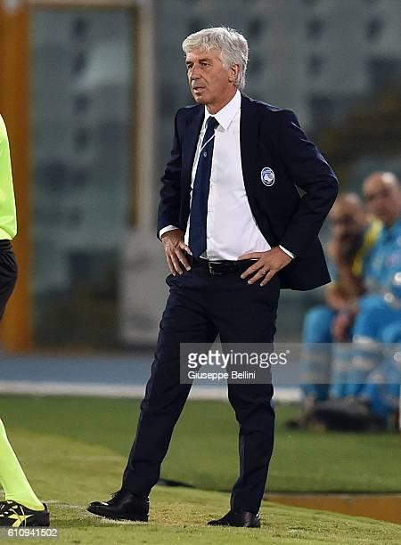 Gian Piero Gasperini head coach of Atalanta BC during the Serie A match between FC Crotone and Atalanta BC at Adriatico Stadium on September 26 2016...