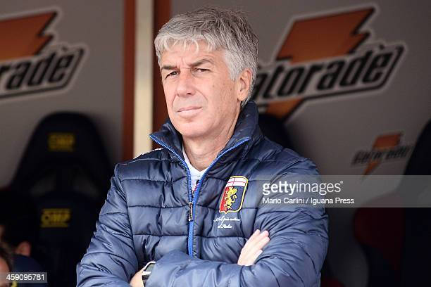 Gian Piero Gasperini head coach of CFC Genoa looks on prior the beginning of the Serie A match between Bologna FC and Genoa CFC at Stadio Renato...
